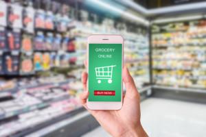 Nielsen: Zakupy spożywcze wciąż wolimy robić w realu niż online