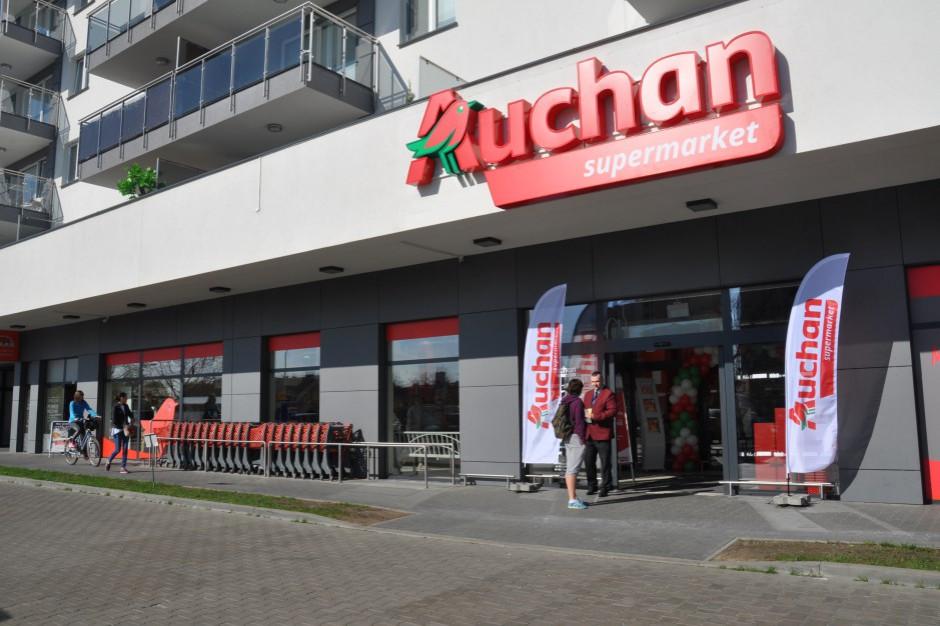 Zmiana szyldów Simply na Auchan potrwa do końca roku