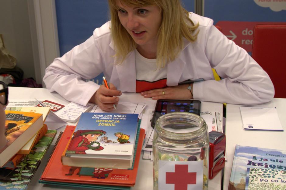 Biedronka organizuje nietypową akcję, by promować czytelnictwo