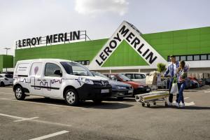 Samochody Traficar przy sklepach sieci Leroy Merlin