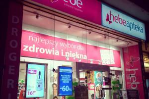 Cyfrowe nośniki w witrynach 170 sklepów Hebe