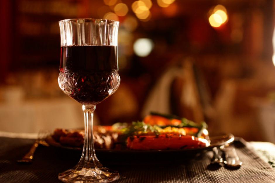 Badanie: Czym kieruje się Polak wybierając wino?