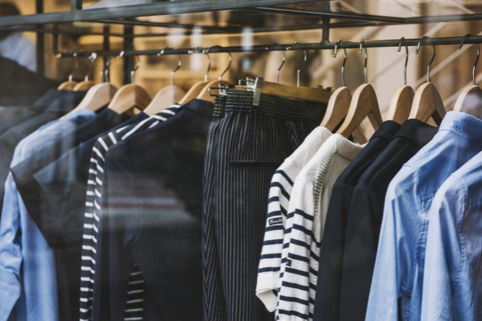Branżę odzieżową czekają zmiany. KE zakazuje stosowania 33 substancji w produkcji odzieży
