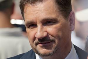 Piotr Duda: Sieci handlowe nie mogą obchodzić przepisów