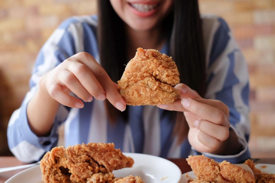Badanie: 82 proc. młodych konsumentów wybiera mięso z kurczaka