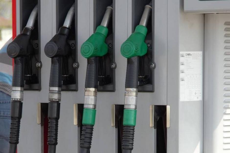 Jest szansa na niższe ceny paliw przed Bożym Narodzeniem