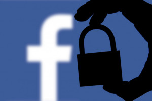 Socjolog: Zaczynamy ograniczać korzystanie z mediów społecznościowych
