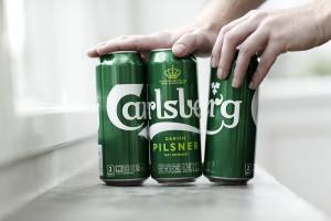 Carlsberg wkrótce będzie sprzedawać zgrzewki piwa… bez folii