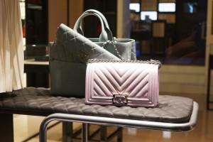 Chanel zrezygnuje z futer i skór zwierząt egzotycznych