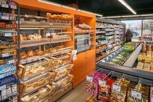 Kolejnych 13 przystacyjnych sklepów z logo Carrefoura