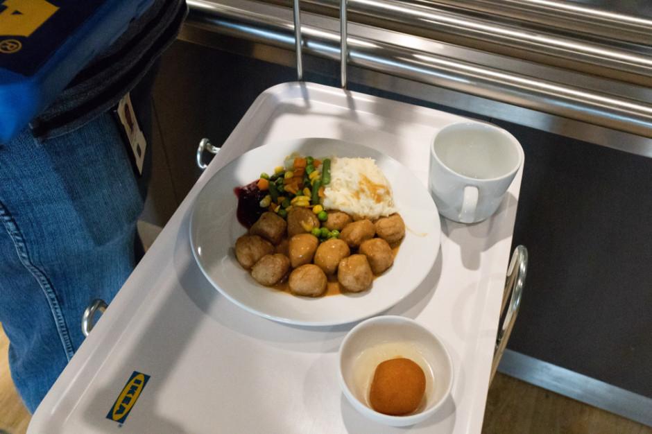 Na warszawskim Targówku można zamówić jedzenie z Ikei z dowozem do domu