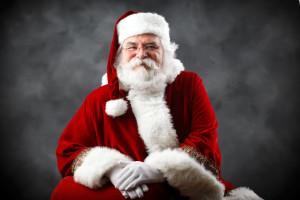 Centra handlowe zatrudniają Świętych Mikołajów. Zarobek do 35 zł za godzinę