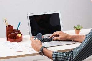 Badanie: Sprzedawcy nieświadomi nowych standardów płatności wchodzących w życie we...