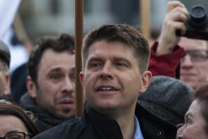 Ryszard Petru apeluje: Hasłem opozycji powinna być likwidacja zakazu handlu w...