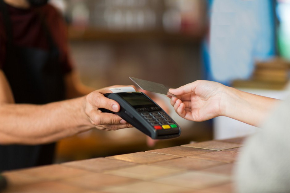 Raport: Jak Polacy płacą za swoje zakupy