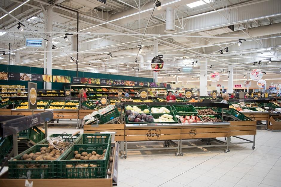 Tesco podało listę 32 lokalizacji w Polsce, w których zamknie sklepy