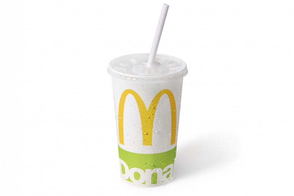 Rodziny z dziećmi w podróży stołują się w McDonald's