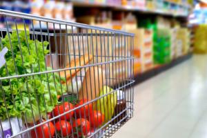 Zaskakujący spadek sprzedaży żywności. Jak odczują go sieci handlowe?