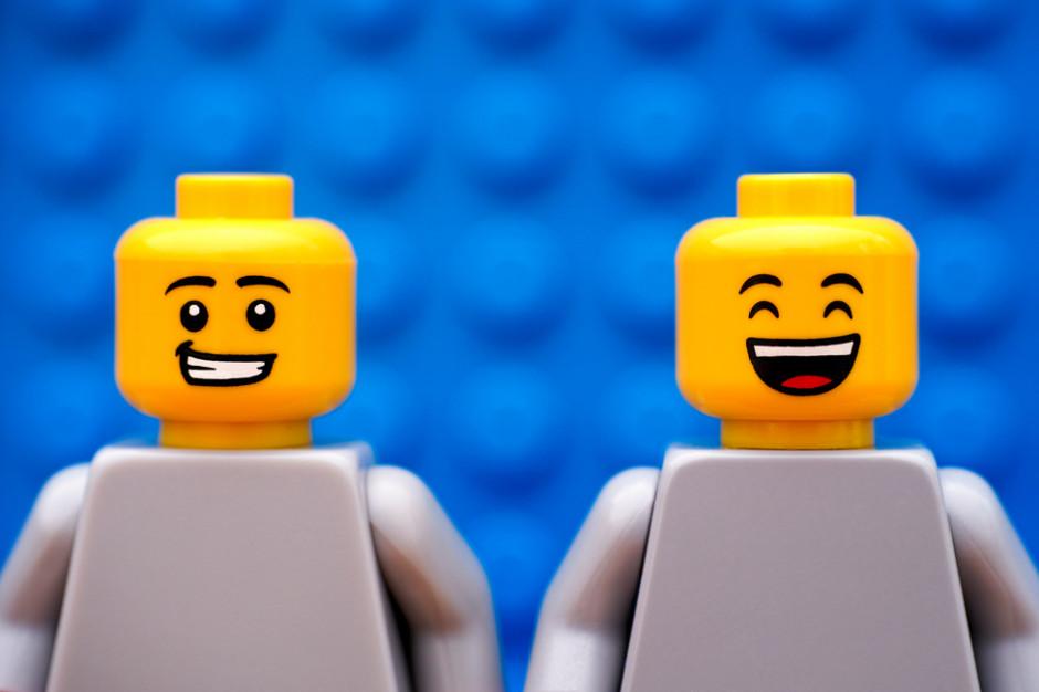 Lego Z Limitowaną Kolekcją Odzieży Dla Dorosłych Z Zaplecza