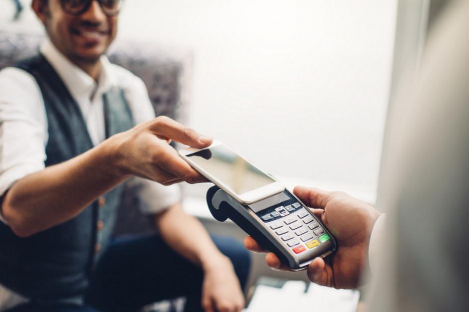 Nest Bank: Płatności zegarkiem i telefonem to przyszłość bankowości