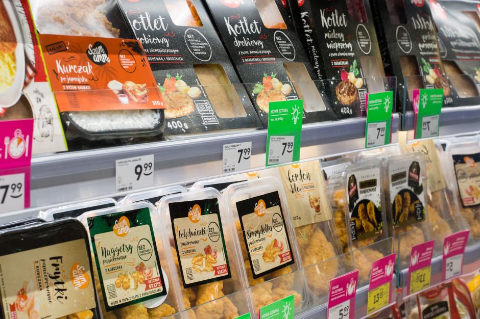 Śniadania i obiady w Żabce. Małe bistro czy sklep na drobne zakupy?