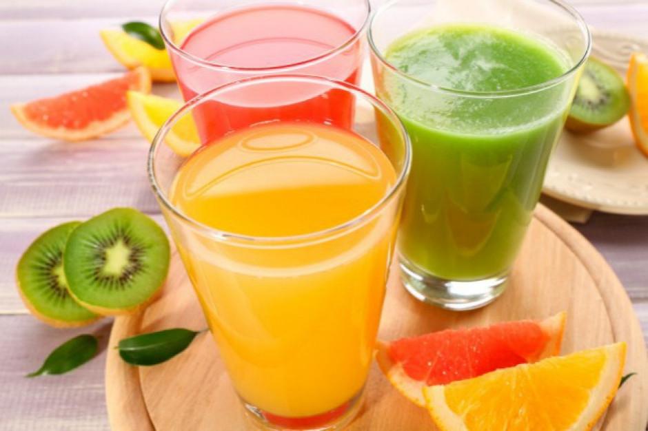Ministerstwo Finansów: Soki i nektary z 5 proc. VAT, napoje – 23 proc.