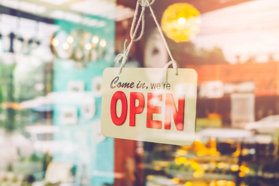 Sklepikarze: Kto wycofa zakaz handlu, zabije drobny biznes
