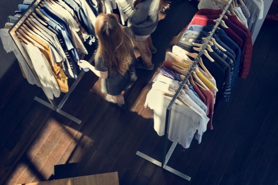 DM mBanku: Rozszerzenie programu 500+ wpłynie pozytywnie na sieci odzieżowe i restauracje