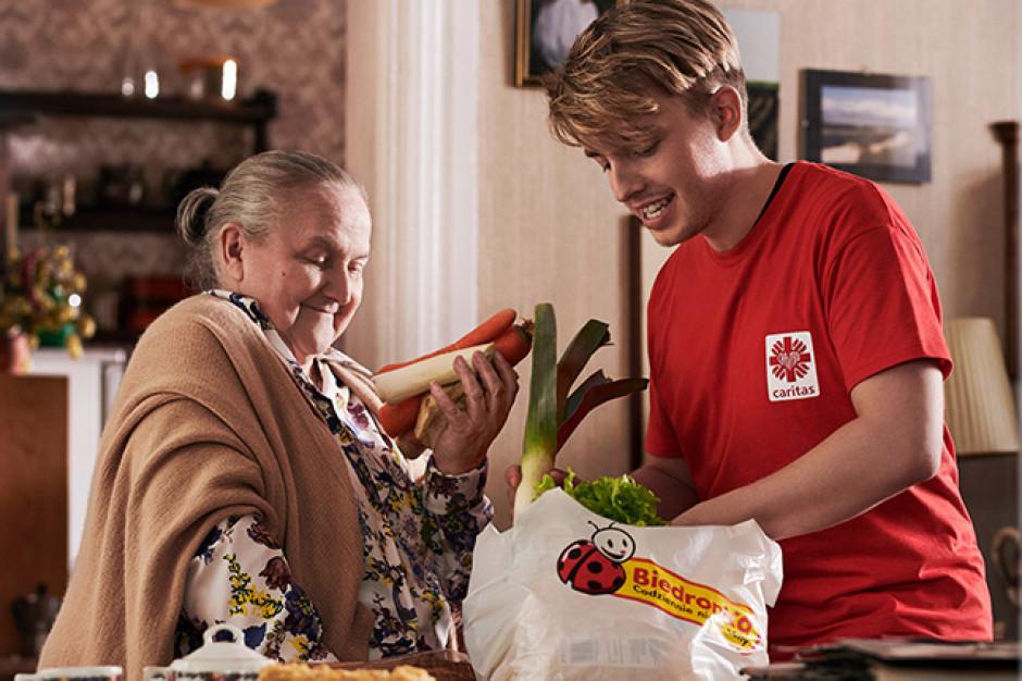 Biedronka wprowadza kartę przedpłaconą dla seniorów z limitem 150 zł miesięcznie