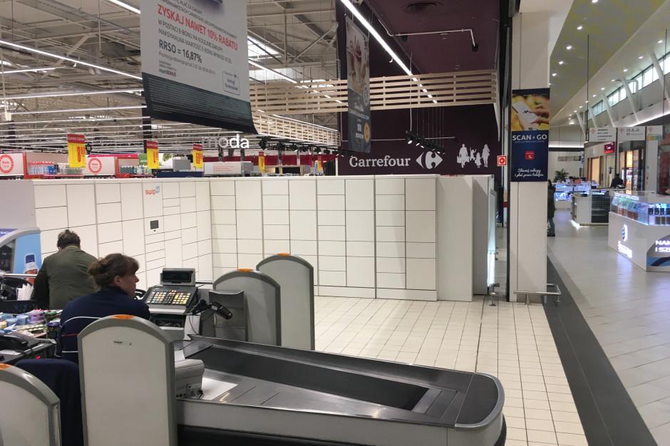 Po Biedronce czas na Carrefour. Swipbox z pierwszym urządzeniem w CH Targówek