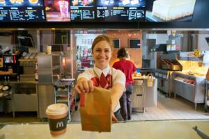 McDonald's zmodyfikuje menu. Jadłospis będzie dopasowany do....pogody