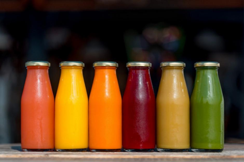Badanie: Po jakie soki owocowe najchętniej sięgają Polacy