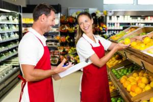 Pracownicy handlu pilnie poszukiwani - co trzecie ogłoszenie dotyczy sprzedawców