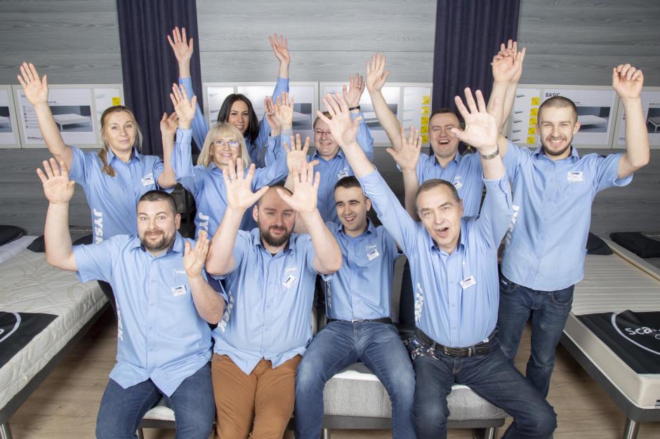 Pracownicy JYSK na wakacjach w Hiszpanii. Sklep przejęła dyrekcja (wideo)