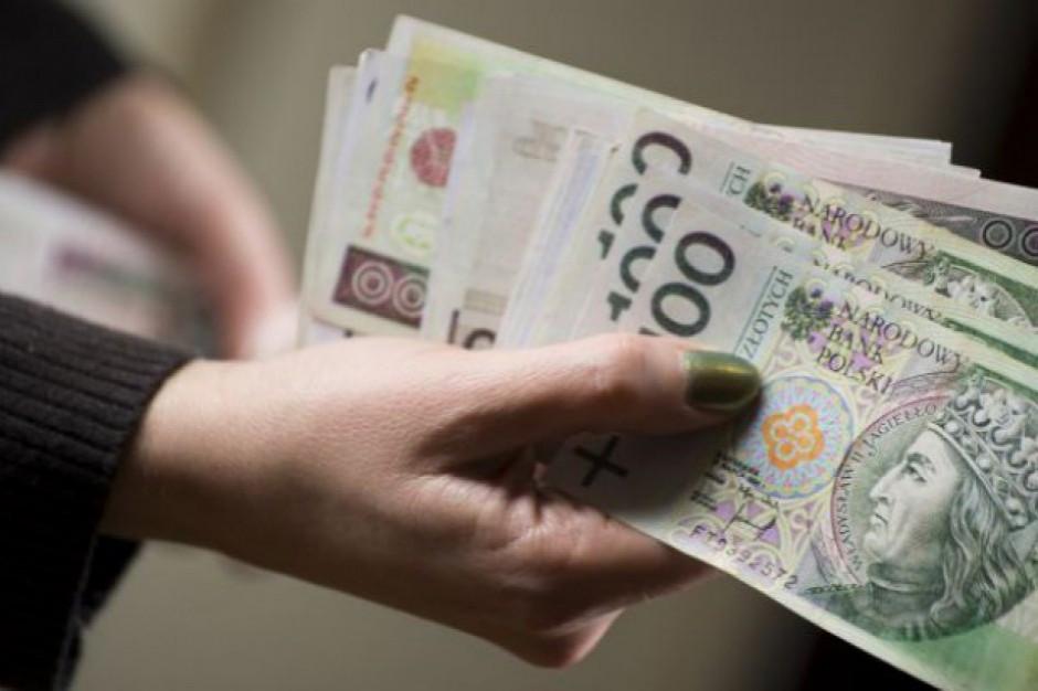 Średnie wynagrodzenie przekroczyło 5 tys. zł brutto. Presja płacowa wkrótce powróci