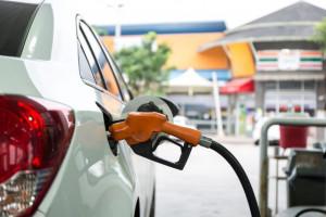 Biedronka ze stacją paliw dla swoich samochodów w Wilanowie