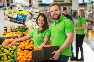 Premia w Biedronce: 2100 zł dla pracowników sklepów i 4200 dla kierowników