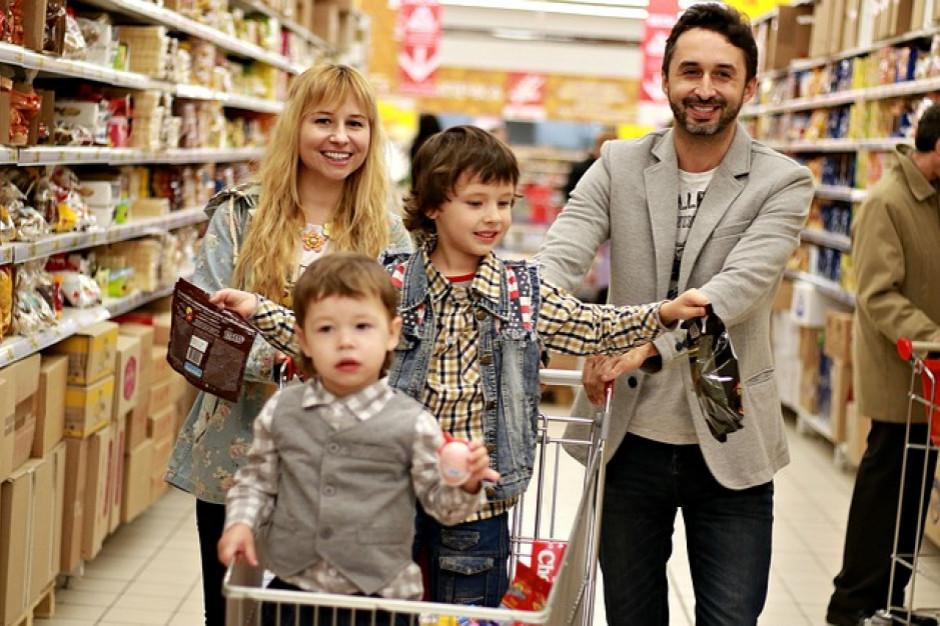 Polacy coraz rzadziej robią zakupy na zapas