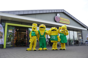 Ekipa Małego Głoda na żywo w warszawskich sklepach sieci Biedronka