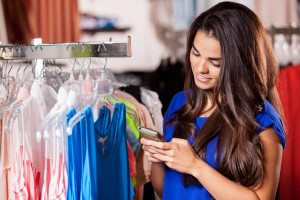 Konsumenci z USA i Europy Zachodniej noszą ubranie góra 10 razy