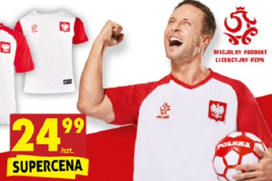 Biedronka podkręca czerwcową sprzedaż: Koszulki kibica za 25 zł plus voucher na kolejne zakupy