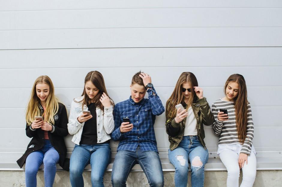 Badanie: Pokolenie Z lubi pieniądze