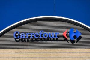 Carrefour ma szansę zająć niszę po Piotrze i Pawle