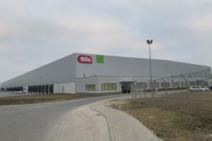 Fundusz z Seulu kupił centra logistyczne, których najemcami są Eurocash i Amazon