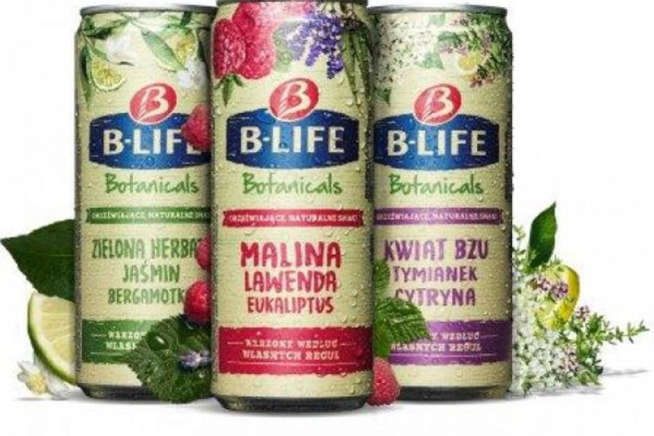 Kompania Piwowarska promuje B-Life Botanicals ogrodem na Pl. Konstytucji