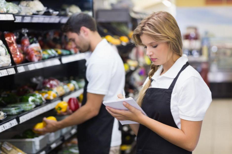 Raport: Spadła liczba ogłoszeń o pracę dla handlowców i sprzedawców