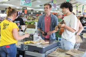 Polowy sklep Lidl Rock Shop buduje 240-osobowa załoga sieci z całej Polski