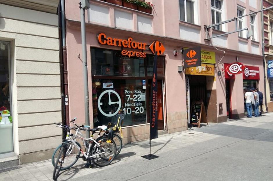 Na stacjach paliw działa 50 sklepów Carrefour Express. W sumie jest ich ponad 620
