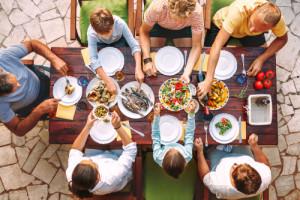 Analiza ING Banku Śląskiego: Spożycie cukru i mięsa a jedzenie na mieście
