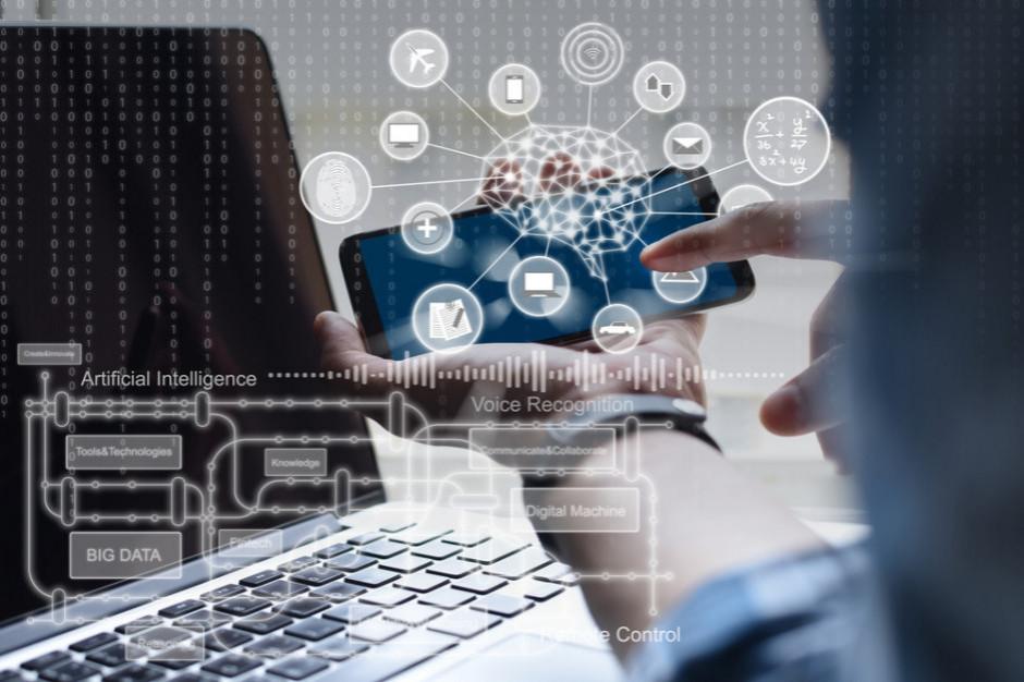 Niemal połowa polskich firm będzie szukać pracowników rozumiejących technologię AI